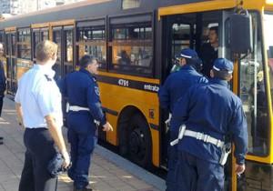 Polizia-Locale-su-autobus-controllo